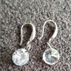 Jewelry - Cz dangle earrings
